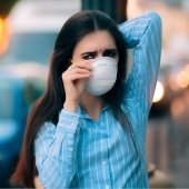 City distributes masks due to poor air quality