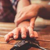Hands-reaching-for-keys