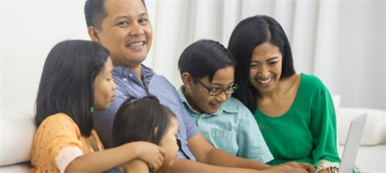 Family of five enjoys free online virtual community events