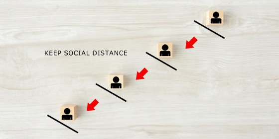 keep social distance illustration with lines and arrows indicating recommended spacing