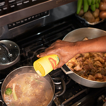 seasoning-food-cooking-on-the-stove
